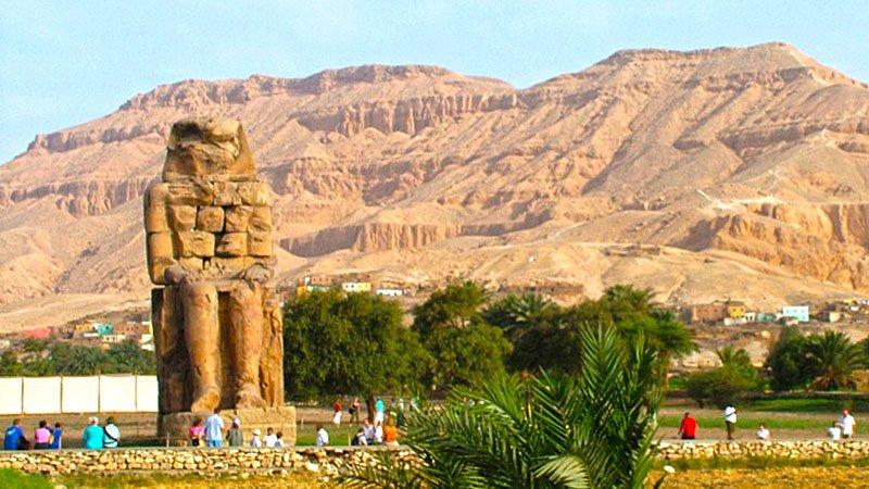 colossus-of-memnon-luxor-egypt.jpg