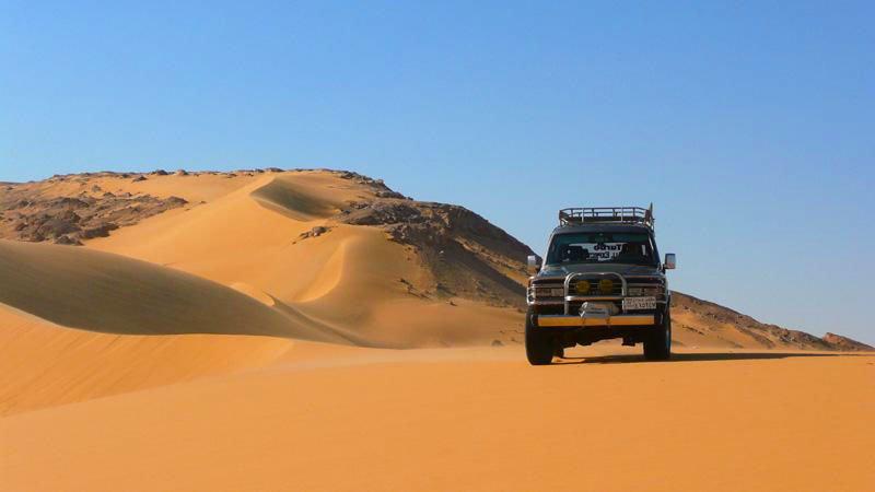 jeep-desert-egypt.jpg