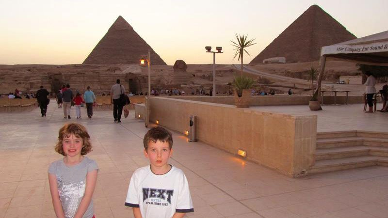 kids-pyramids-cairo-egypt.jpg