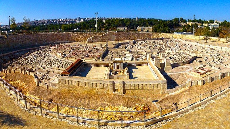 model-jerusalem-israel.jpg
