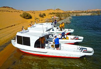 safari-boat-lake-nasser.jpg